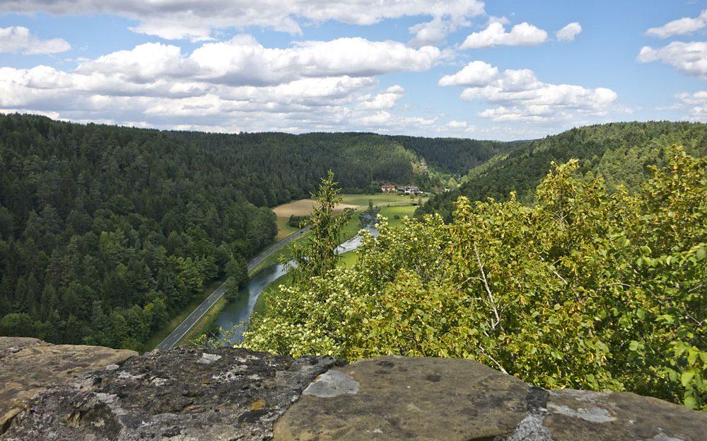 LARP Location Burg Rabeneck - Gelände Blick von Burgzinnen