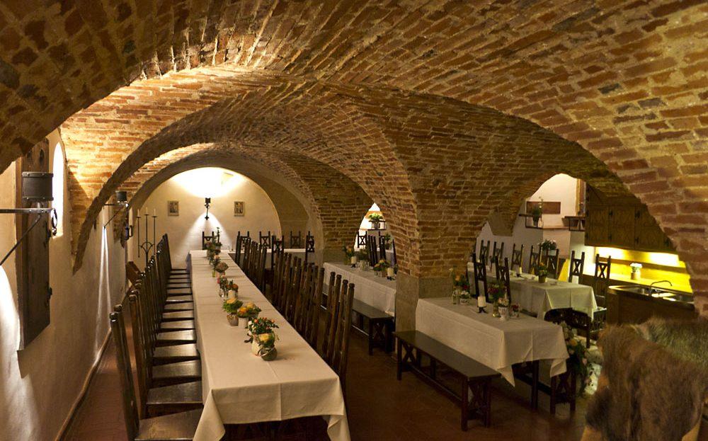 Burg Rabeneck Gewölbe eingedeckt für Feier