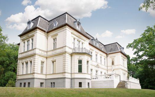 LARP Location Schloss Schönfeld - Aussenansicht